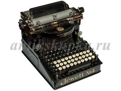 Старинная антикварная печатная машинка