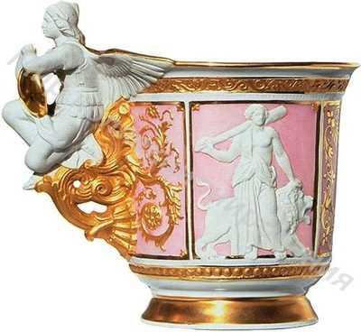 Чашка (с блюдцем) Модель, демонстрирующая германский имперский стиль во всем его великолепии