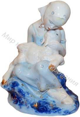 Фарфоровая статуэтка Алёнушка с братцем Иванушкой