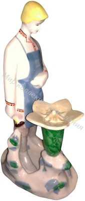 Фарфоровая статуэтка Данила и каменный цветок