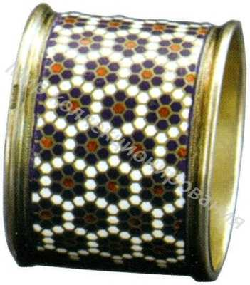 Кольцо для салфеток, украшенное полихромными эмалями по скани