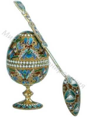 Яйцо пасхальное на высокой ножке и ложечка