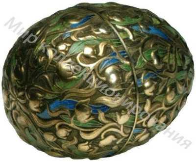 Яйцо пасхальное, украшенное зеленой и синей эмалями по скани