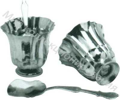 Пара стаканов и ложек для шербета