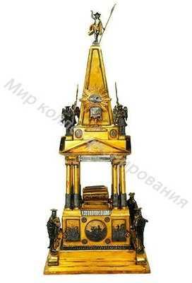 Дарохранительница в виде стилизованного классицистического храма