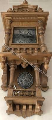 Настенные часы с балкончиком
