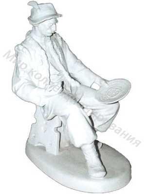Статуэтка Гуцул с тарелкой Барановка