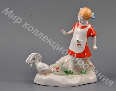 Статуэтка Девочка с петухом Барановка