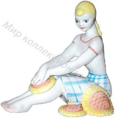 Статуэтка Девушка с подсолнухами Барановка
