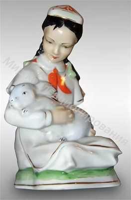 Статуэтка Девочка с кроликом Чудово